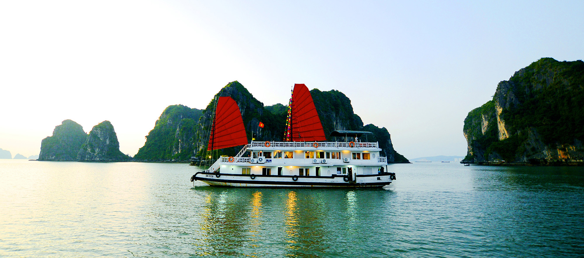Halong Imperial Classic Cruise (2D-1N)