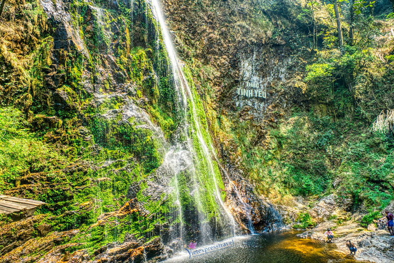 HALF DAY TOUR TO SILVER AND LOVE WATERFALL