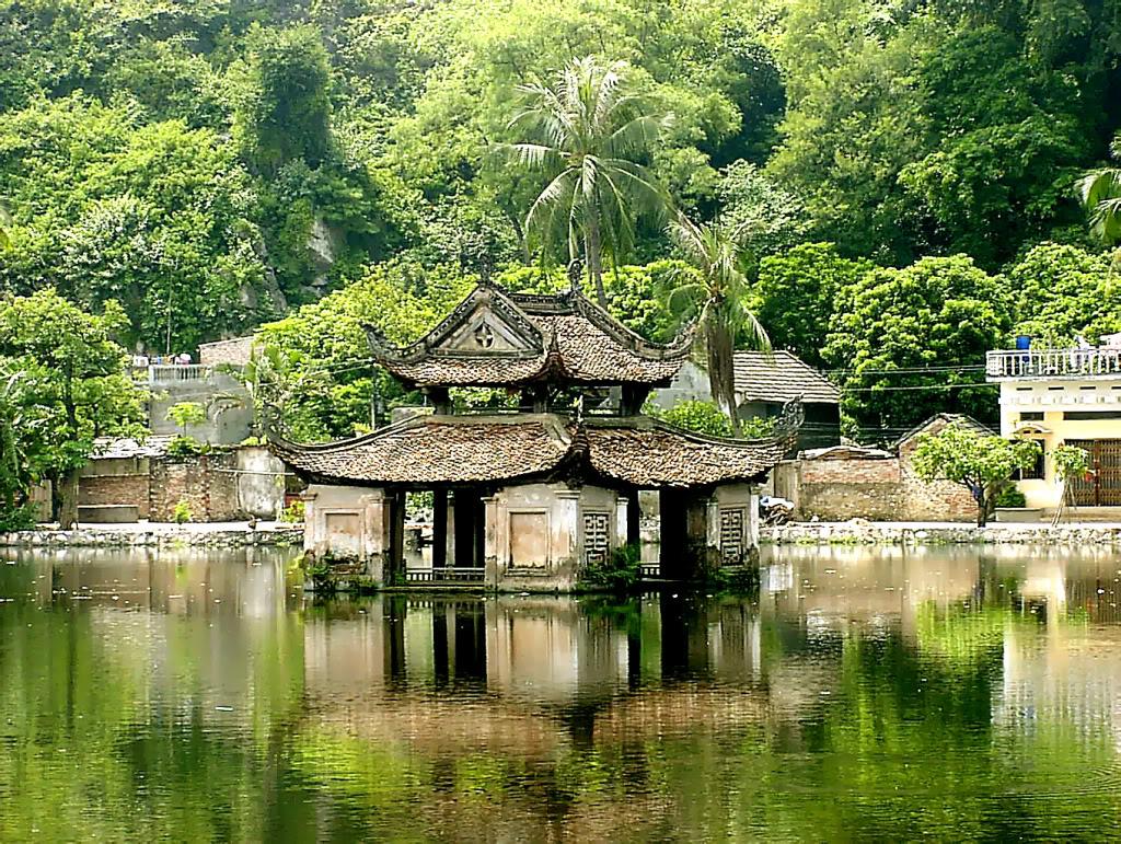 Thay & Tay Phuong Pagoda - Van Phuc Silk Village 1 Day tour