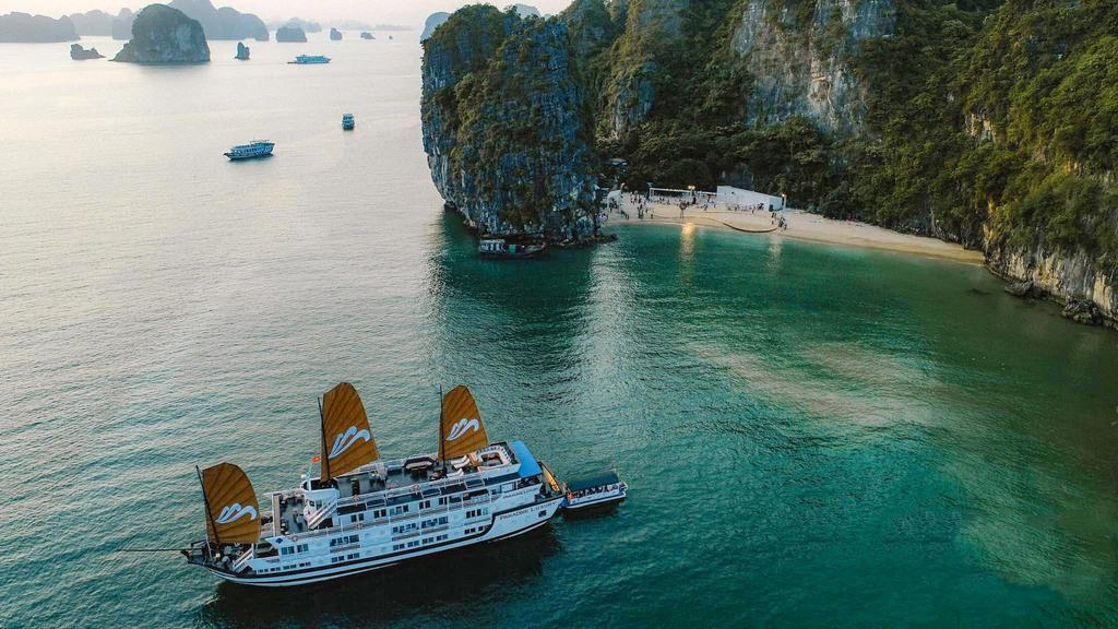 HALONG PARADISE SAILS CRUISE ( 3 DAYS – 2 NIGHTS )
